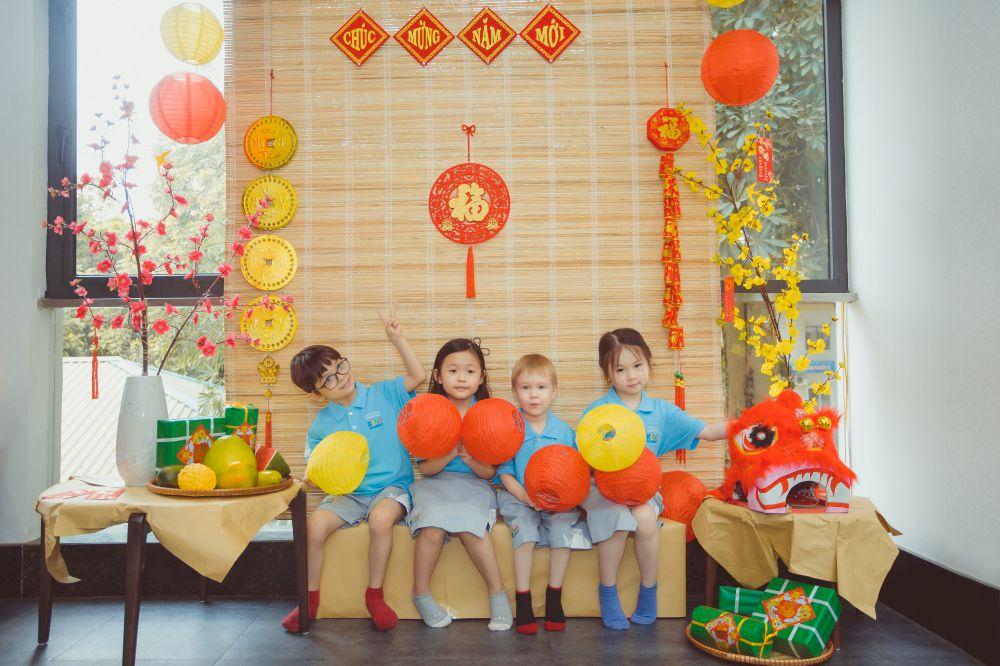 Children at Horizon International Kids Academy learn about Tet culture