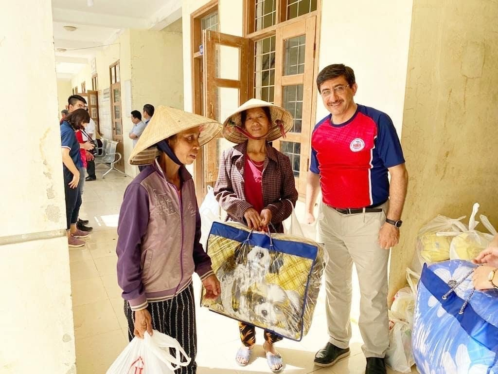 Horizon International Kids Academy has started a donation to reach out for the victims of flooding in Central Vietnam provinces